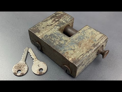 [841] HUGE Soviet Dual Custody Padlock Picked