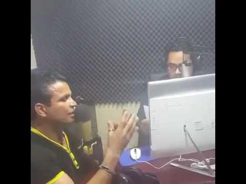Fidel Villanueva en estación de radio en La Paz parte 2