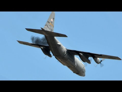 Captan el momento en el que se estrelló el avión militar de EEUU