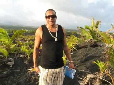 New Kaimu Black Sand Beach-Big Island, Hawaii