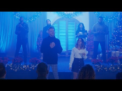 St. Pierre - Maren Morris Teams Up With Pentatonix For A Powerful New Christmas Song