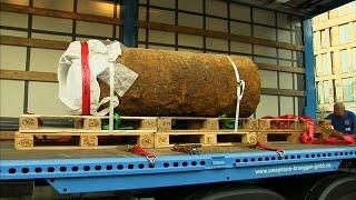 Trotz störrischer Anwohner: Frankfurter Bombe entschärft
