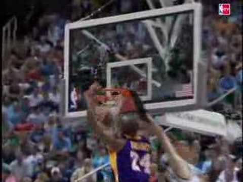 Kobe Bryant Throws Down the Double-Clutch Transtion Jam