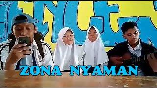 Download Cover Lagu Zona Nyaman - 4twenty Mp3