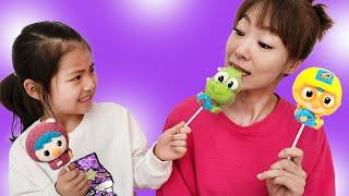 뽀로로 마시멜로!! 서은이의 아기상어 공받기 놀이 대결 뽀로로 크롱 패티 캔디 사탕 젤리 Pororo Marshmallow Candy Seoeun Story