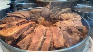 Traditional Hong Kong Food - Cooking a Beef Soup