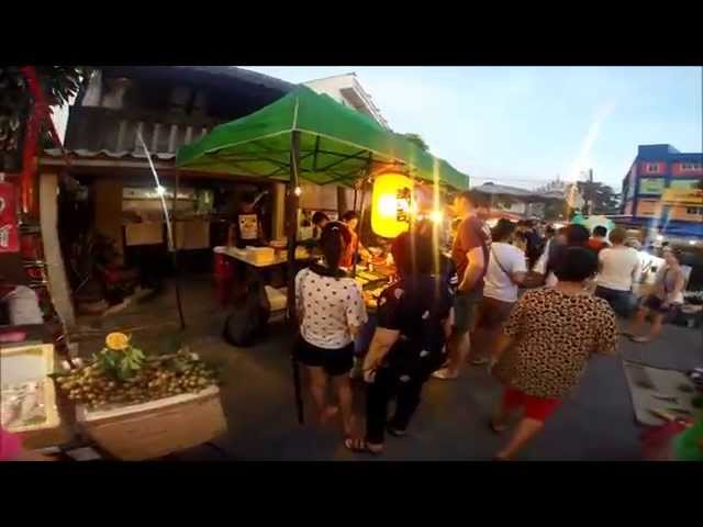 What to do at Saturday Night Market Chiang Mai