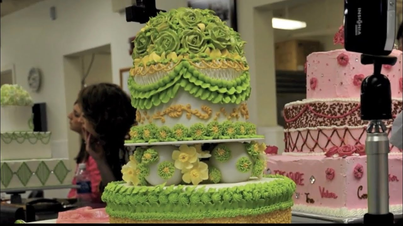 Cake Decoration School : Wilton School of Cake Decorating & Confectionery Art - YouTube