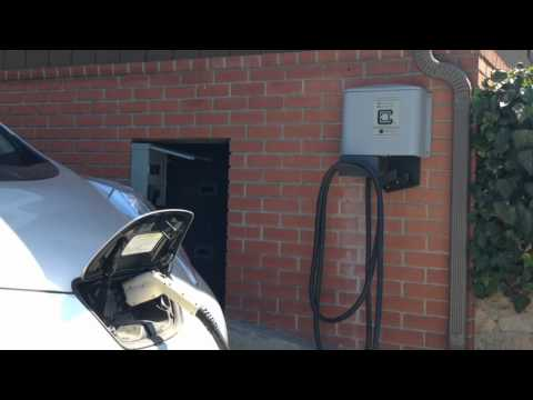 Charging Electric Vehicles on Solar