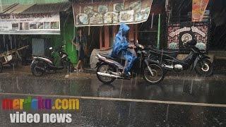 Cara Memilih Jas Hujan Yang Tepat Agar Tidak Rembes
