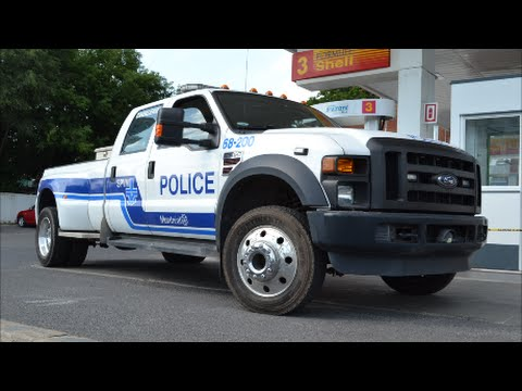 MONTREAL POLICE FORD F-450 PICKUP PULLED OVER MOTORIST