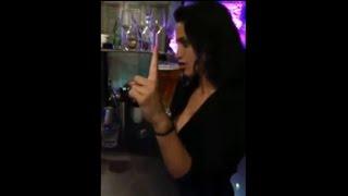Девушка пьет наспор-видео приколы-funny videos