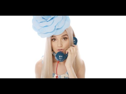 Download Youtube: Poppy - Moshi Moshi (Official Video)