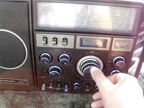 GRUNDIG SATELLIT MOD 1400 SL PROFESSIONAL MULTI BAND RARO RADIO ANTIGO