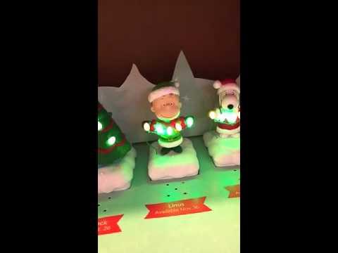 Hallmark - Peanuts - Charlie Brown Christmas Musical Figures