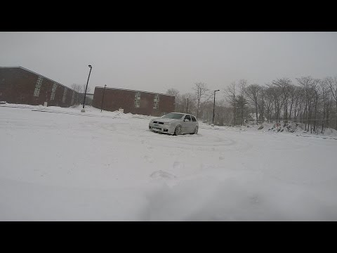 VW Golf R32 in Snow