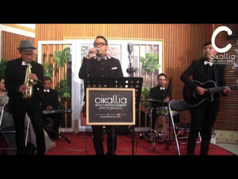 Just The Two Of Us - Cikallia Music Bandung ( cover ) - Cikallia