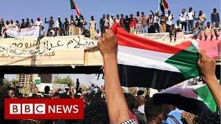 Sudan protest: Demonstrators continue sit-in despite crackdown  - BBC News