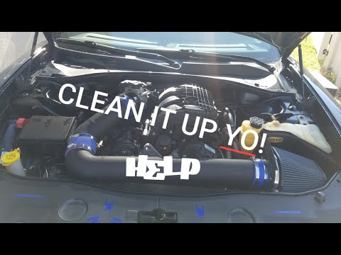 🚰Quick Way To Clean Engine Bay - Dodge Charger 3.6L🚰
