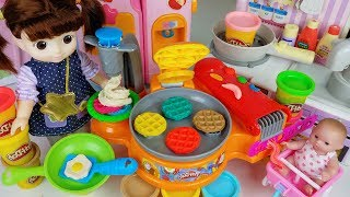 Baby doll Kitchen and Play Doh cooking toys Refrigerator play - 토이몽
