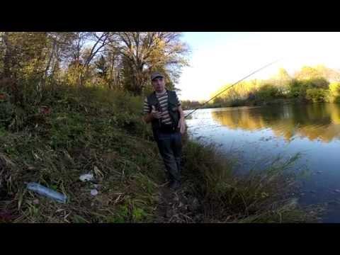 Ловля уклейки на поролон - YouTube