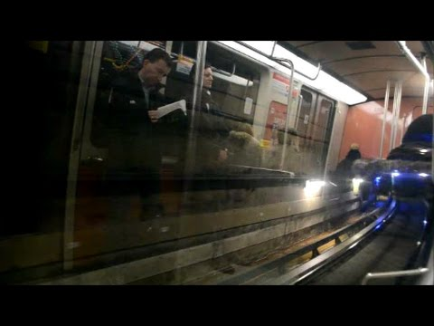 MR 73 METRO AT A CRAWL  DEFECTIVE DOORS ON FIRST CAR
