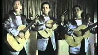 Bobby Capo en vivo canta Llorando Me Dormí.avi