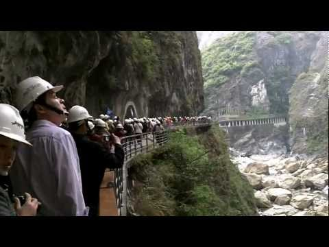 Crazy Amount of Mainland Chinese Tourists in Taroko Gorge