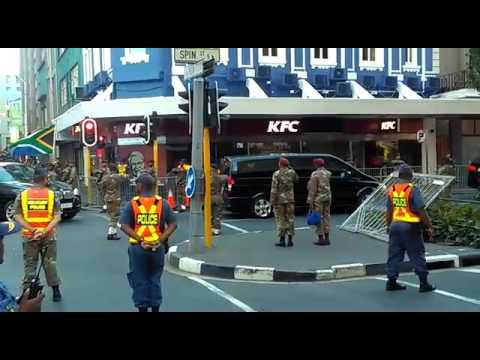 President Jacob Zuma's cavalcade parades through Cape Town CBD ahead of #SONA2017