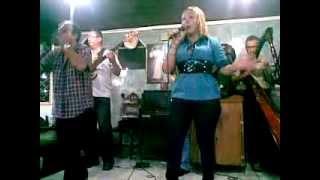 Mayerling González Cantando en la Mezquita-Valencia