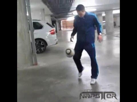 Juggling Battle: Neymar vs Kompany vs Van Persie (who the best?)