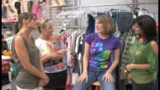 Video Hi/Lo: A Back to School Shopping Special at Plato's Closet download MP3, 3GP, MP4, WEBM, AVI, FLV Juli 2018