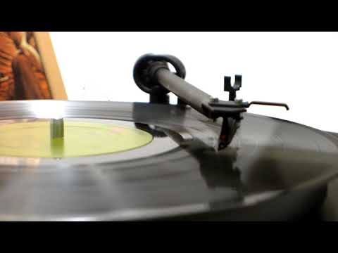 """America - """"A Horse With No Name"""" (Official Vinyl Video)"""