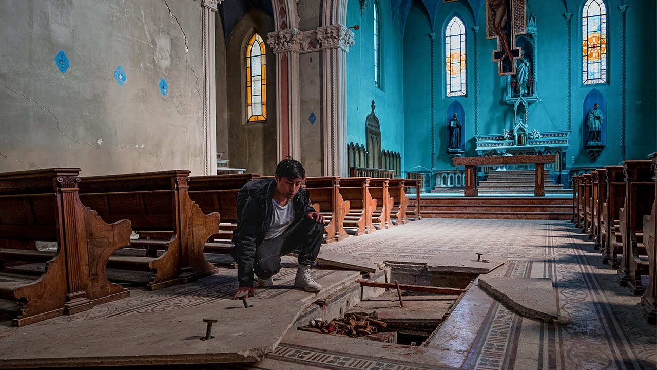 WE FOUND BONES Inside ABANDONED CHURCH - TOMB BROKE OPENED