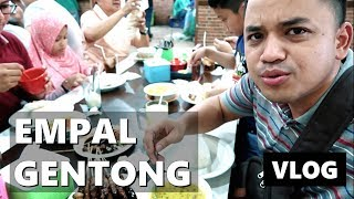 nyobain empal gentong h apud cirebon kuliner enak vlog indonesia vlog keluarga
