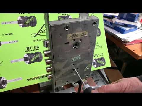 Самоимпрессия CISA Cambio Facile  Cisa Cambio Facile double bit lock opening instructions