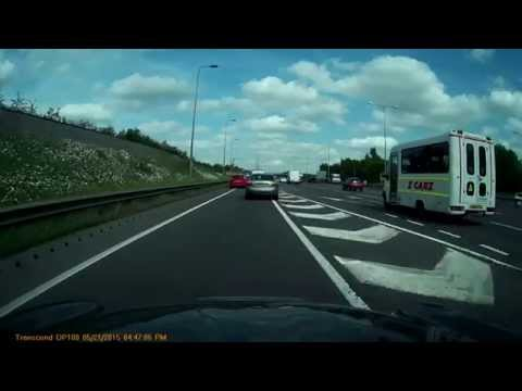 Dashcam Footage Of Ford Mondeo Making His Own Rules.
