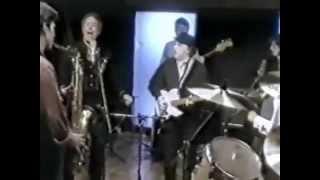 Van Morrison and Tom Jones singing I