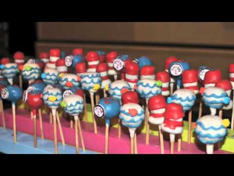 Dr. Seuss cat in the hat cake pops | Hat cake and Cake pop