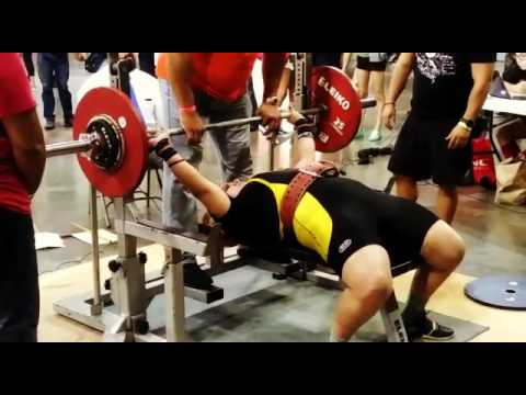 Bench Press 90kg/#200lbs at Fitness Body Expo in Puerto Rico