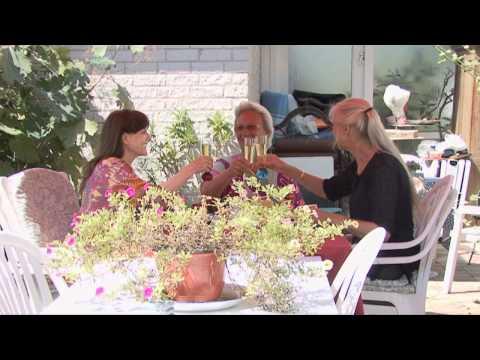 Joan, Donna en Marjo ontmoeten elkaar na 50 jaar!
