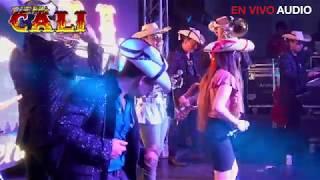TIERRA CALI FEAT VIRY SANDOVAL FLOR HERMOSA EN VIVO