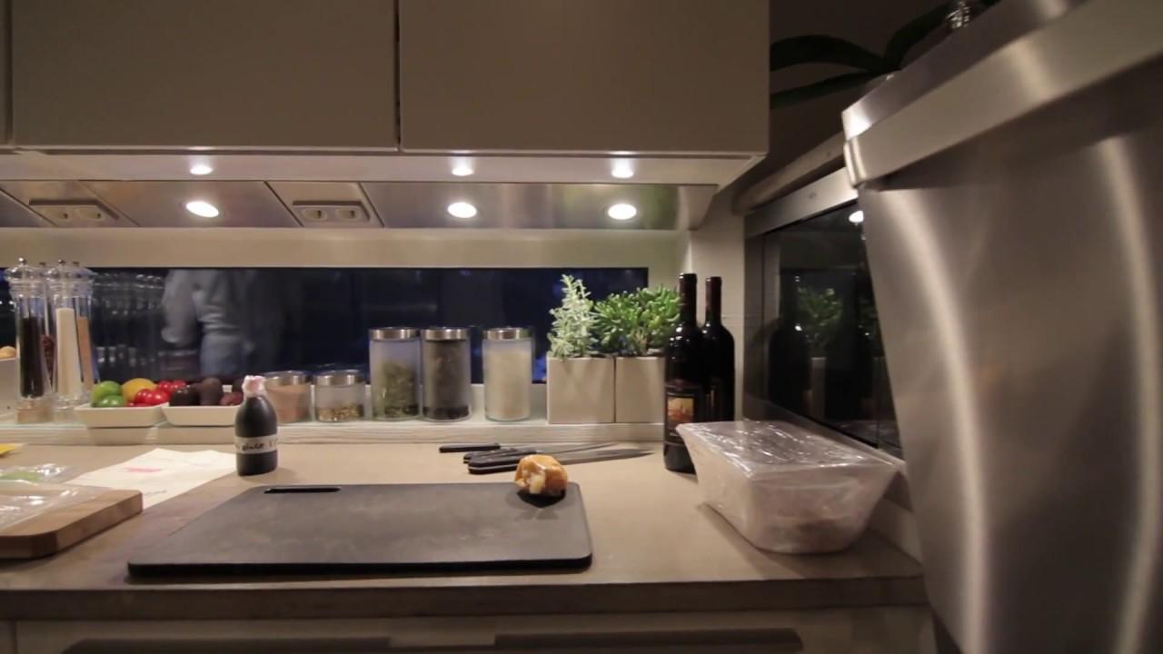 Puustelli Miinus keittiö & Kari Aihinen  Habitare voittajan illallinen