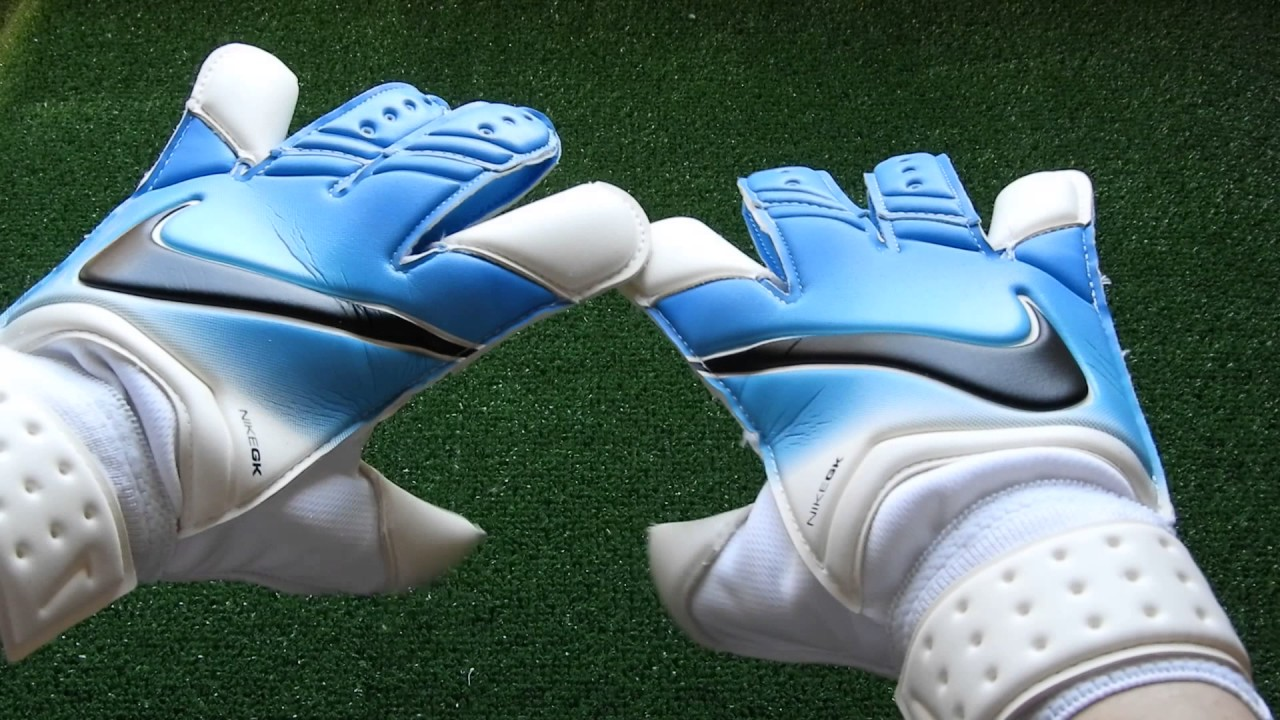 015fe53a6 Nike Vapor Grip 3 Goalkeeper Glove Blue and White Preview - YouTube
