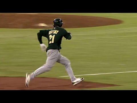 2006 ALDS Gm2: Kotsay hits inside-the-park home run