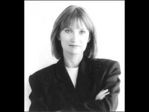 Gail Davies -- You Turn Me On I'm A Radio