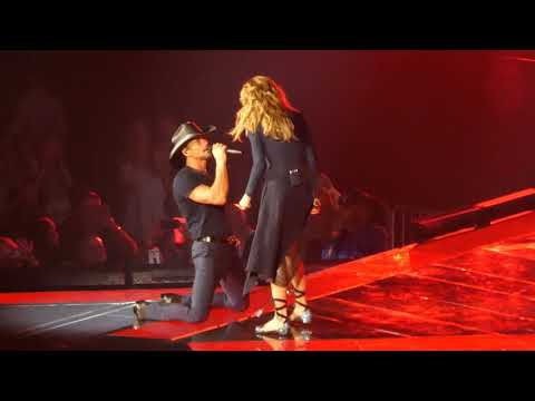 Felt Good On My Lips - Soul2Soul Tim McGraw & Faith Hill - Jacksonville - 9-16-2017