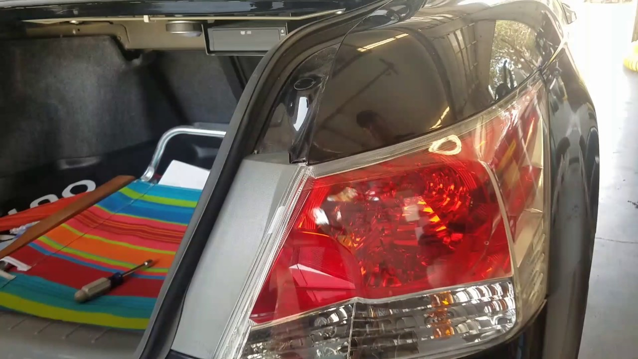 Diy 2009 Honda Accord Tail Light Bulb Replacement Easy