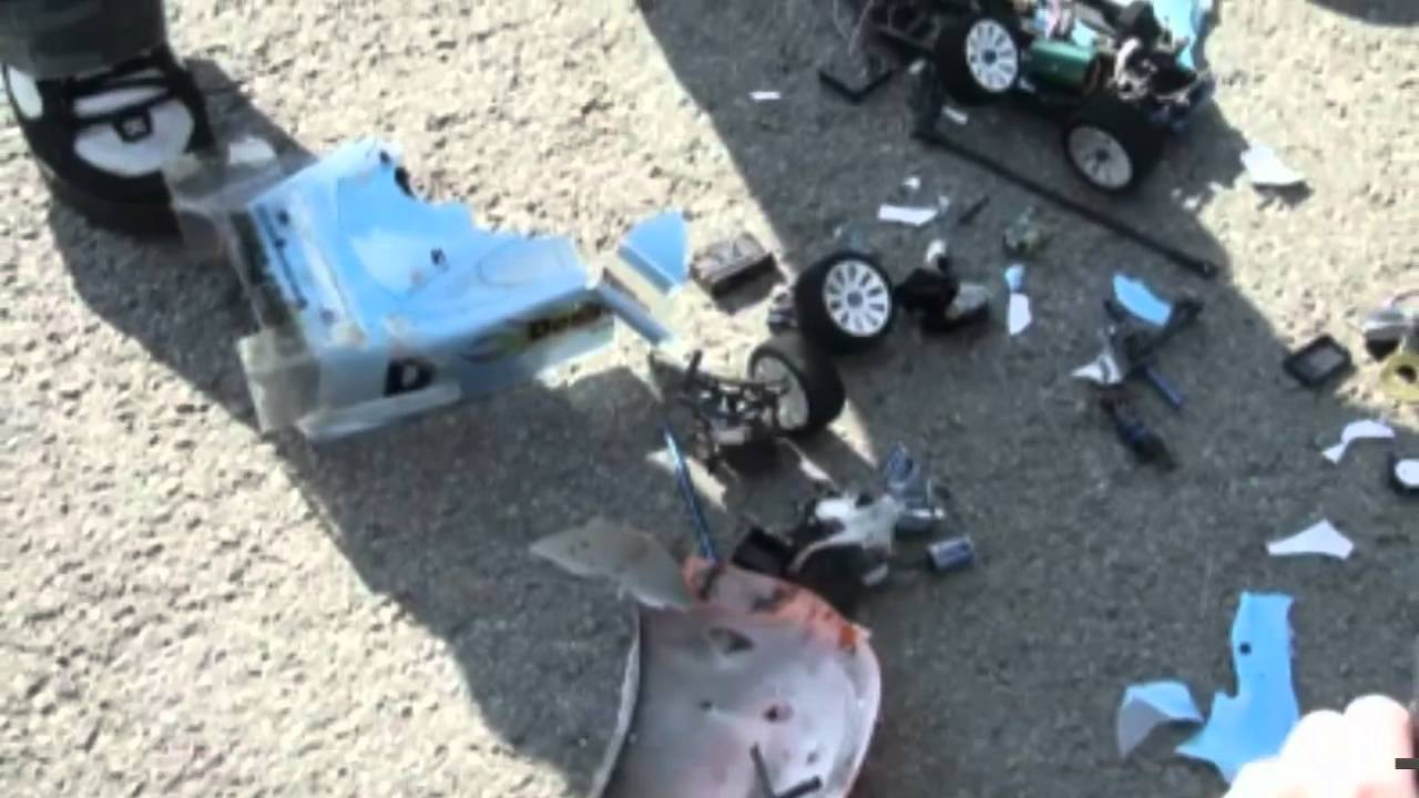 103 Mph Electric Rc Car Crash Fastest Mph With Audio Youtube