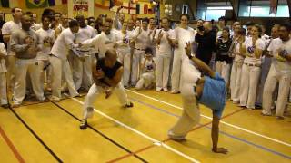 6eme rencontre de capoeira - toulouse, france 2010 - candeias 2  contramestre molejo